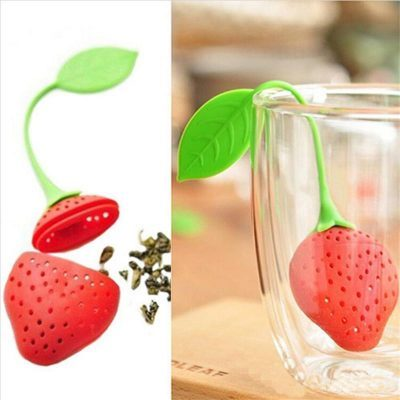Megvásárolható:  https://www.trendycastle.com/products/strawberry-tea-infuser